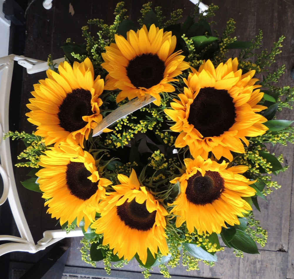 Sunflower funeral wreath blooms